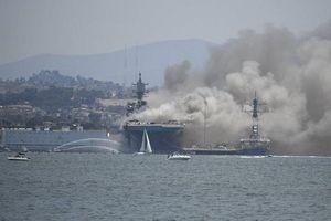 Tàu chiến Mỹ cháy suốt hơn 24 giờ, số người bị thương tăng cao