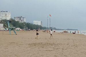 Hai người bị đuối nước ở biển Sầm Sơn