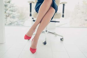 Sếp già móc hầu bao chi đậm cho nữ kế toán trẻ vì 'giỏi chiều'