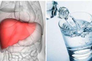 Thói quen uống nước gây hại tim mạch và gan thận của bạn, hối không kịp