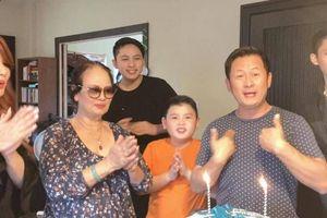 Vợ cũ Trizzie Phương Trinh tặng quà có 1-0-2 khiến Bằng Kiều vỡ òa xúc động