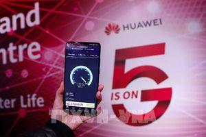 Các công ty viễn thông của Anh sẽ phải loại bỏ tất cả thiết bị 5G của Huawei