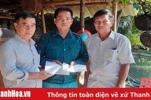 Thăm, hỗ trợ hộ gia đình bị hỏa hoạn cháy nhà tại Quan Sơn