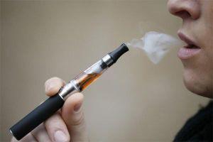 Giới trẻ lan tỏa thông điệp 'không hút thuốc' trên mạng xã hội