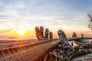 Ngắm Cầu Vàng đẹp lạ trong nắng sớm
