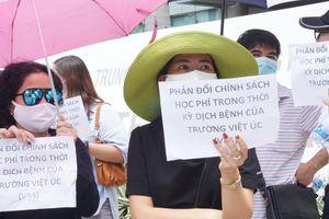 Trường Việt Úc từ chối 40 học sinh, phụ huynh kiến nghị lên Bộ GD&ĐT