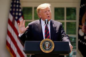 Ông Trump nhận công lao sau khi Anh cấm Huawei