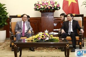 Thứ trưởng Thường trực Bùi Thanh Sơn tiếp Đại sứ Hàn Quốc Park Noh-wan