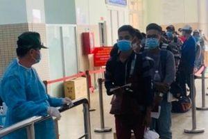 600 sinh viên Campuchia trở lại Việt Nam học tập