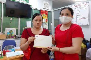 Người mẹ khốn khổ nhận món quà lớn bạn đọc VietNamNet tặng con