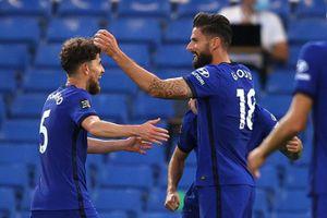 Olivier Giroud lập công giúp Chelsea giành chiến thắng quý giá