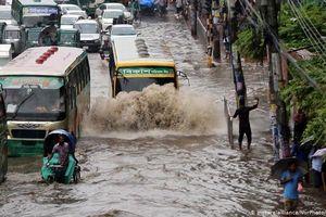1/3 diện tích Bangladesh ngập chìm trong biển nước do mưa lũ