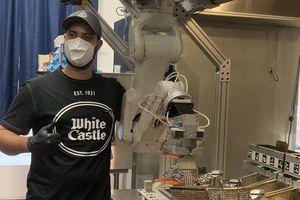 Giải pháp đầu bếp robot mùa dịch COVID-19