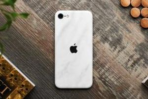 Bị chê lỗi thời nhưng iPhone SE 2020 vẫn giúp Apple đạt thành tích ấn tượng
