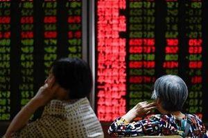 Chứng khoán Trung Quốc chìm trong sắc đỏ vì căng thẳng Mỹ - Trung