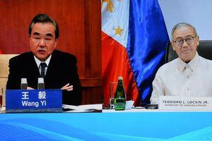 Bị Mỹ bác yêu sách ở Biển Đông, Trung Quốc lập tức 'lấy lòng' Philippines