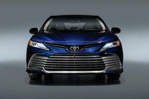 Toyota Camry 2021 thêm công nghệ an toàn, nâng cấp thiết kế