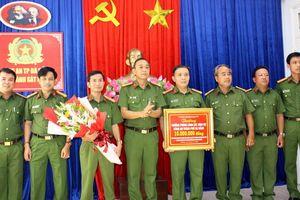 Khen thưởng đột xuất Phòng CSHS Công an TP Đà Nẵng