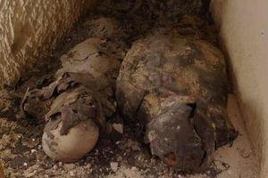 Ai Cập: Phát hiện hai xác ướp phủ vàng lá liên quan đến nữ hoàng Cleopatra