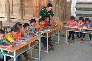 Tổ chức cho các cháu học sinh đọc sách trong thời gian nghỉ hè