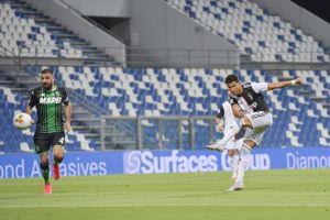 Ronaldo vô duyên, Juventus hòa trận 'điên rồ'