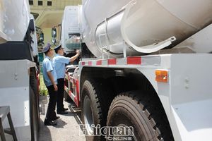 Rủi ro trong công tác quản lý mặt hàng xăng dầu vào khu giám sát hải quan