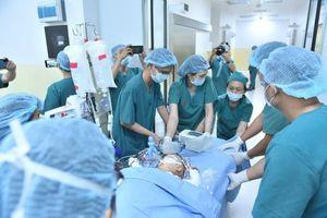Cặp song sinh Diệu Nhi - Trúc Nhi đã tỉnh lại sau ca phẫu thuật hơn 12 tiếng