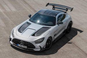 Siêu xe Mercedes-AMG GT Black Series ra mắt, vận tốc lên tới 325km/h