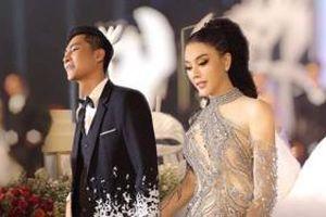 Lâm Khánh chi lo lắng khi ông xã được một cô gái lạ mặt mời tới nhà chơi