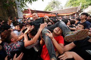 Thực hiện nghi lễ có tính bạo lực trong lễ hội: Sẽ phạt nặng hành vi