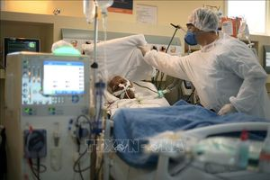 Diễn biến COVID-19 tới 6 giờ sáng 17/7: Brazil vượt 2 triệu ca bệnh, Ấn Độ vượt 1 triệu ca