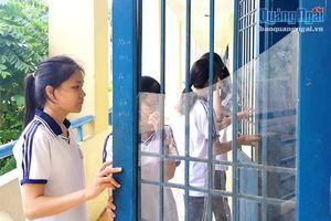 Nguy cơ mất an toàn trong trường học từ kính xây dựng