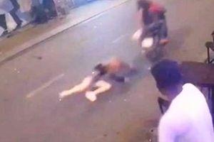 Nhảy kênh trốn sau khi kéo lê cô gái cướp túi xách ở phố tây Bùi Viện
