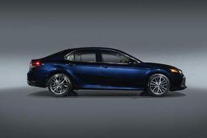 Toyota Camry 2021 ra mắt: Thêm phiên bản mới, giá chưa công bố