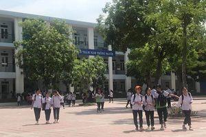 Học sinh Hà Nội kết thúc kỳ thi vào lớp 10 với đề thi toán vừa sức