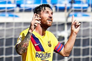 Messi trút giận vào lưới Alaves trong ngày La Liga hạ màn
