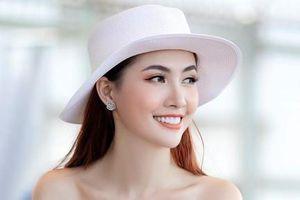 Phan Thị Mơ gợi cảm với son môi cam