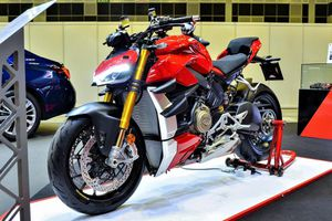 Ducati Streetfighter V4 S sẽ về Việt Nam vào cuối năm, giá khoảng 1 tỷ