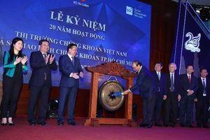 Thủ tướng Nguyễn Xuân Phúc: Thị trường chứng khoán là 'phong vũ biểu' của nền kinh tế