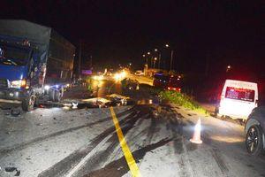 Xe máy đấu đầu xe tải, 2 thanh niên tử vong tại chỗ