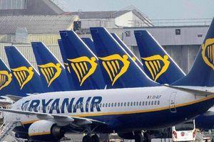 Máy bay Ryanair phải hạ cánh khẩn cấp vì khách dọa đánh bom