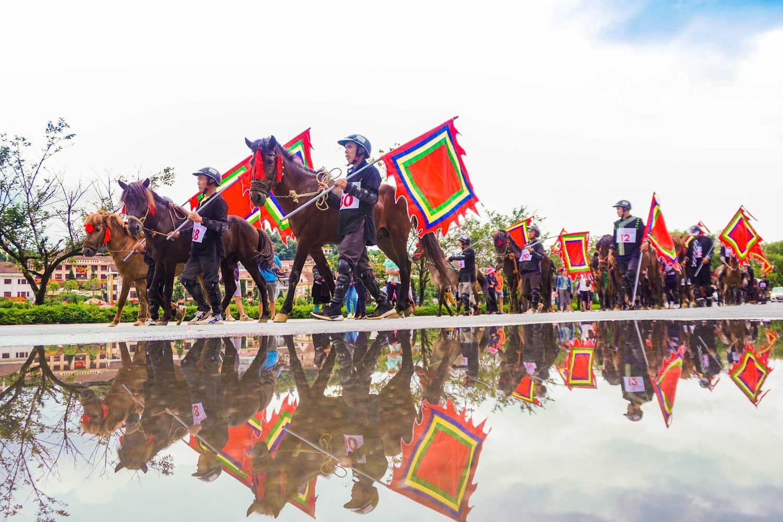 Du khách đổ lên Sa Pa hào hứng xem đua ngựa