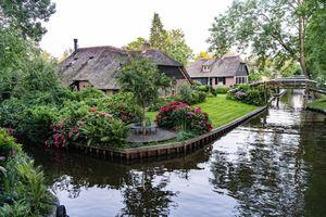 Vẻ đẹp đặc sắc của ngôi làng 'cổ tích' Giethoorn giữa dịch Covid-19