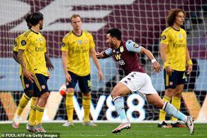 Cột dọc cứu thua, Aston Villa bất ngờ đánh bại Arsenal