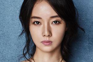 Mỹ nhân chưa từng thất bại ở showbiz Hàn, cưới 'fan ruột' là ai?