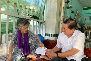 Lãnh đạo tỉnh thăm, tặng quà Mẹ Việt Nam anh hùng, người có công và thân nhân liệt sĩ