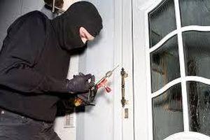 Công an truy tìm nghi can vào nhà trộm 800 triệu đồng