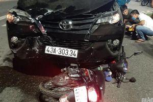 Ô tô nát đầu sau cú đâm xe máy, 1 người chết, 2 người bị thương