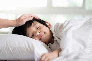 Những câu nói mẹ thường xuyên thủ thỉ với bé trước khi đi ngủ, giúp bé thông minh khi trưởng thành
