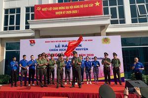 Ra quân tình nguyện 'Kỳ nghỉ hồng' và thăm Mẹ Việt Nam anh hùng